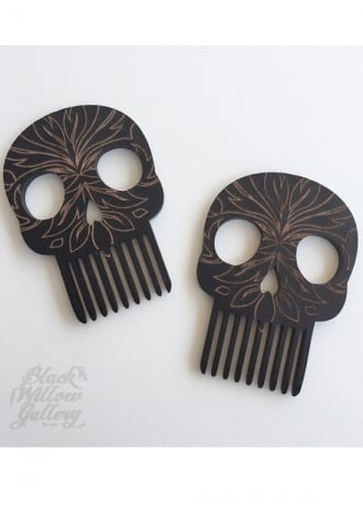 Black Willow Gallery Skull Comb