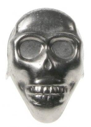 25 x Skull Studs