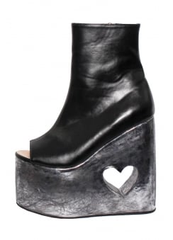 Metal Heart Wedge